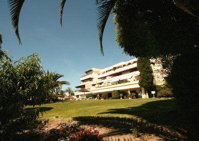 Exteriores Hotel del Golf 8