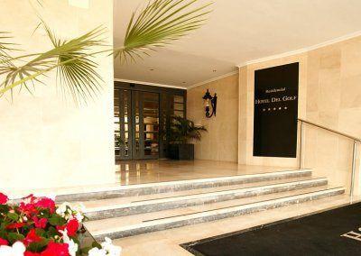 Exteriores Hotel del Golf - Entrada principal - Flores 2